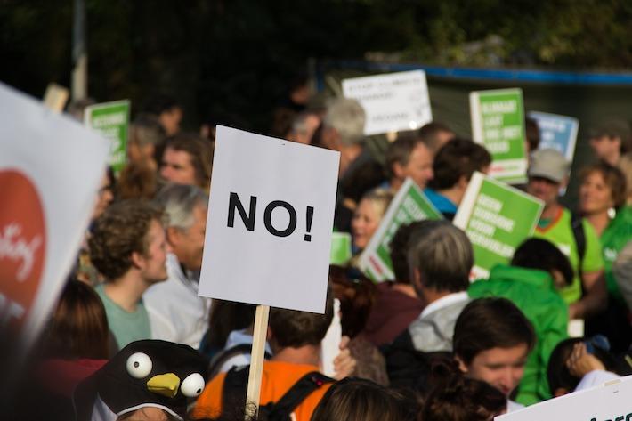 Na bratislavských protestoch neboli väzenskí ani tajní policajti. Kotleba si opäť vymýšľa